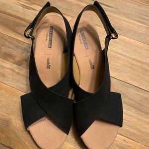 Clarks black and pork wedge sandals, size 8, NWT!!